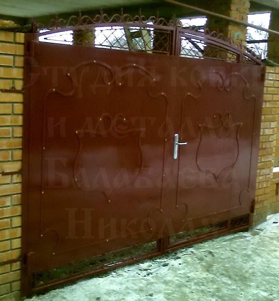 въездные ворота с встроенной калиткой
